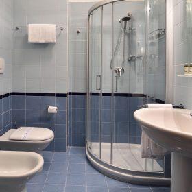 Bagno camera matrimoniale Prealpi Hotel
