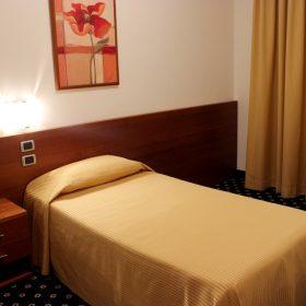 Camera tripla stanza singola Prealpi Hotel