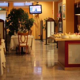 Buffet Ristorante Tucano Prealpi Hotel