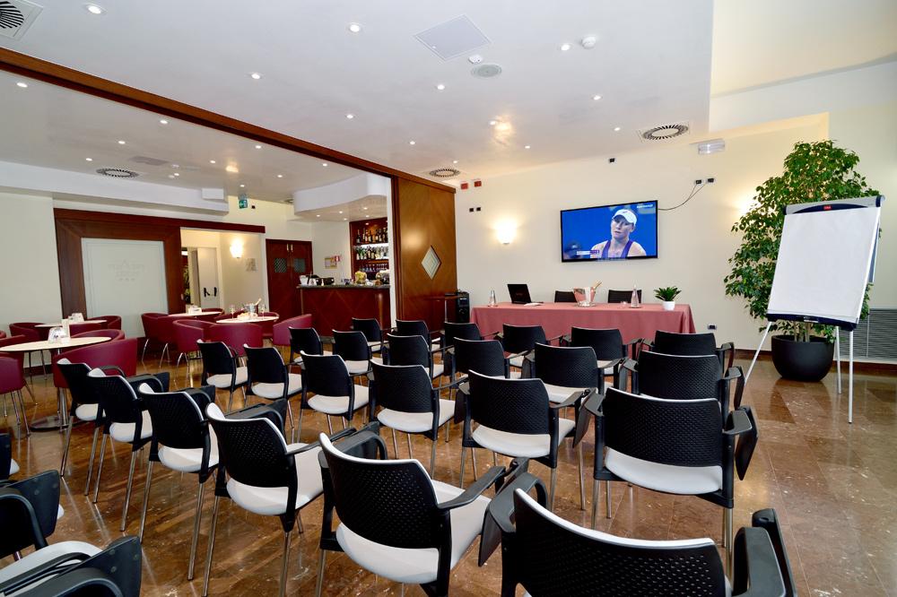 Sala riunione prealpi hotel san vendemiano sito - Sala insonorizzata ...