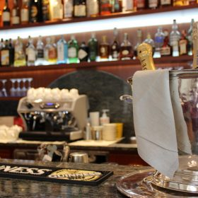 Bar - Prealpi Hotel - Champagne